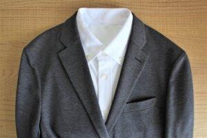 「スーツとシャツ」1年越し 入社・入学 おめでとうございます