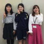 2019夏 東部中学2年 金藝真さん(中央) 川畠和さん(左) 目黒先生